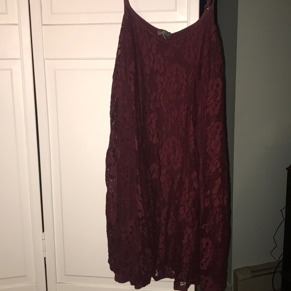 American Eagle Outfitters Dresses & Skirts - Maroon lace spaghetti strap dress